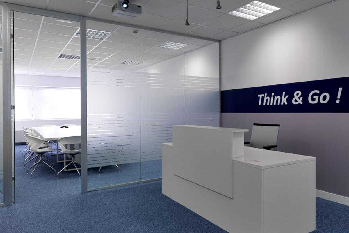 1 Galow Think&Go front desk interiorismo oficinas Madrid-ok ...