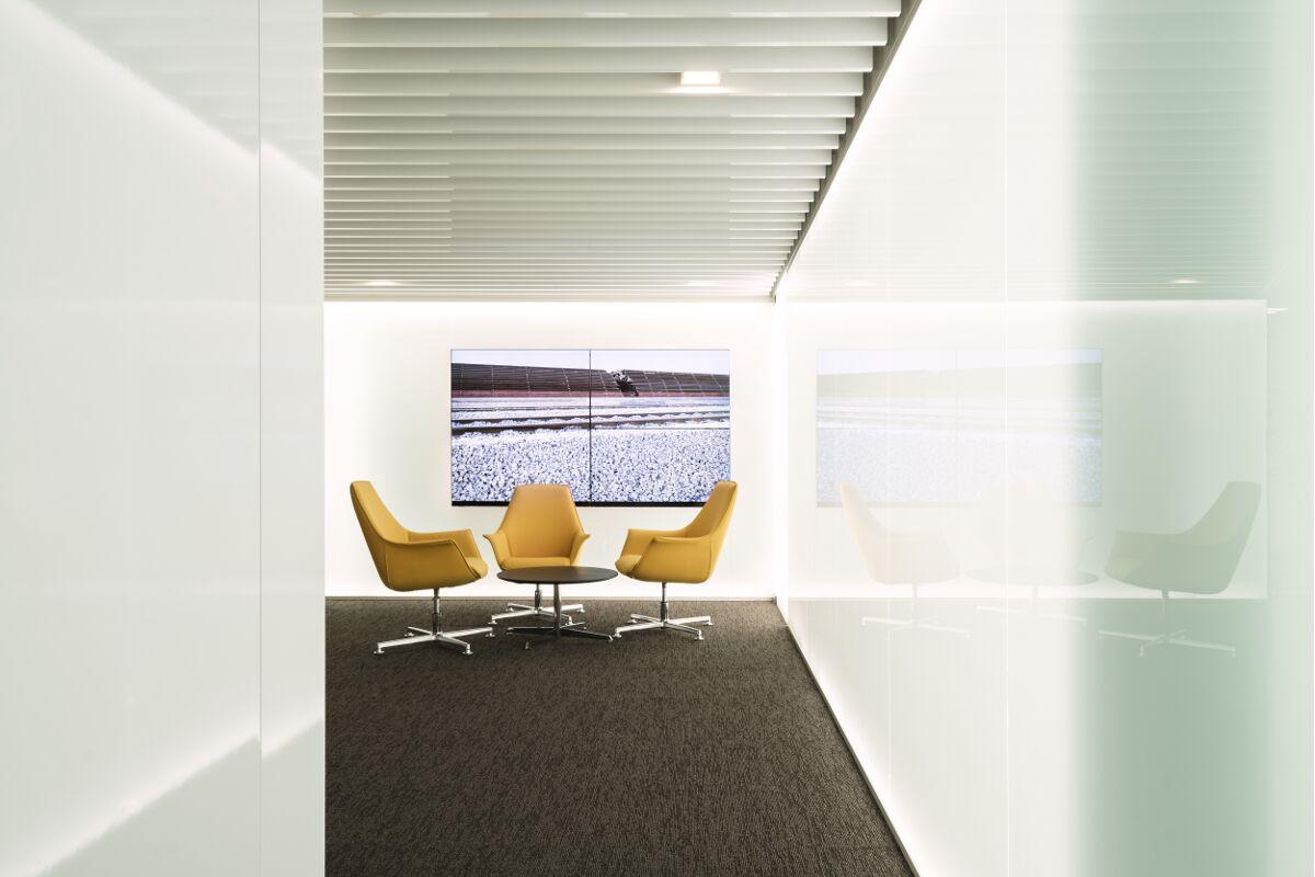 Galow heathy Arquitecture interior design well luxury lounge workplace