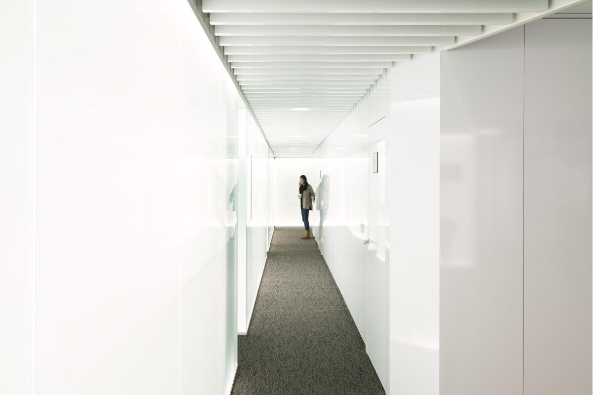 Galow Arquitectura saludable interiorismo well reforma futurista oficinas lujp