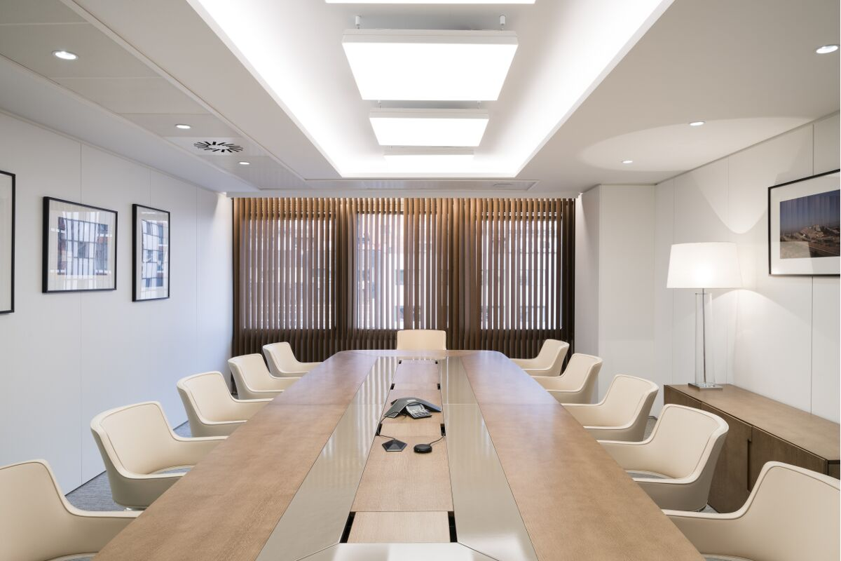 Galow Arquitectura saludable interior design well luxury workplace meeting room